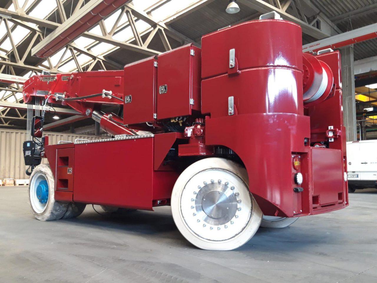 Foto van ORMIG pick & carry kraan die geleverd wordt aan Aarnoutse Transport uit Oostburg